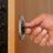 Ouverture de porte fermée à clés sur porte blindée soir et weekend