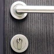 Ouverture de porte fermée à clés serrure simple soir et weekend
